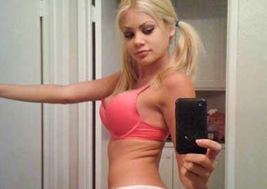 seksi plavuša za hotline